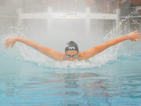 Schwimmvizeweltmeisterin Caroline Pilhatsch trainiert im Larimar