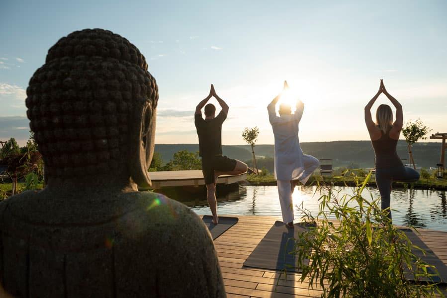 Koiteich-Yoga-Morgensonne