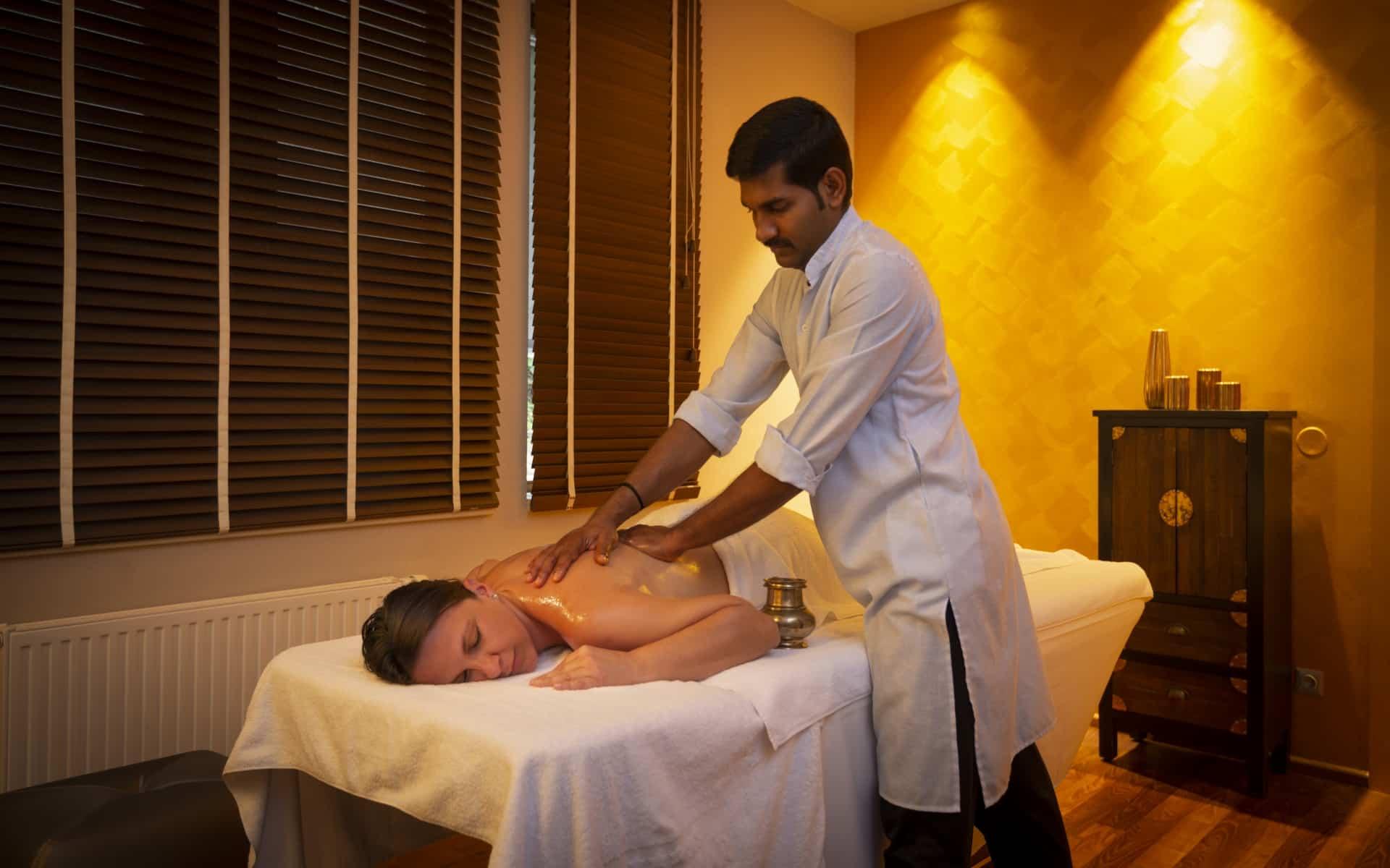 Ayurveda Massage im Larimar Premium-Spa