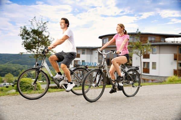 Radfahren auf bestens beschilderten Radwegen