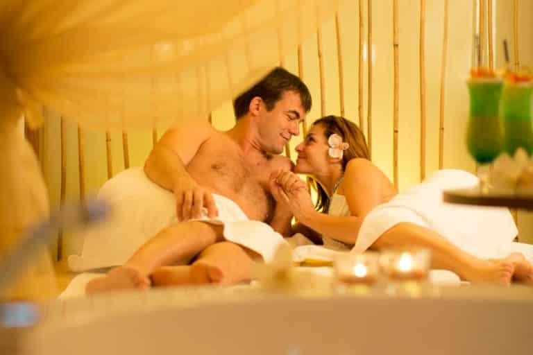 Romantische Stunden mit Ihrem Herzblatt in der Spa-Suite