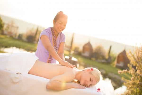 Thai Massage im Gartenparadies
