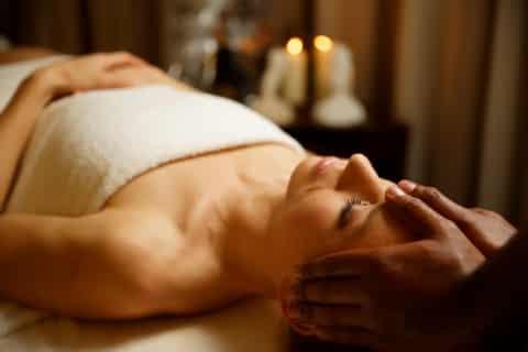 Ayurveda Shiro Abhyanga Kopfmassage