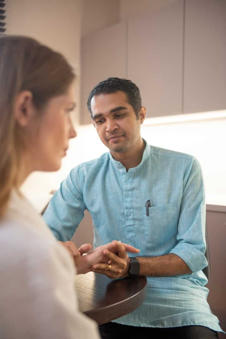 Ayurvedische Pulsanalyse Kukku Ramesh