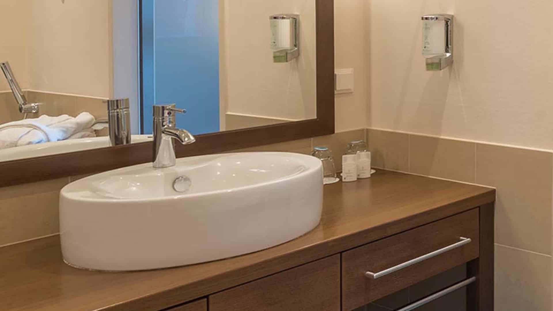 Badezimmer im Doppelzimmer im Wellnesshotel