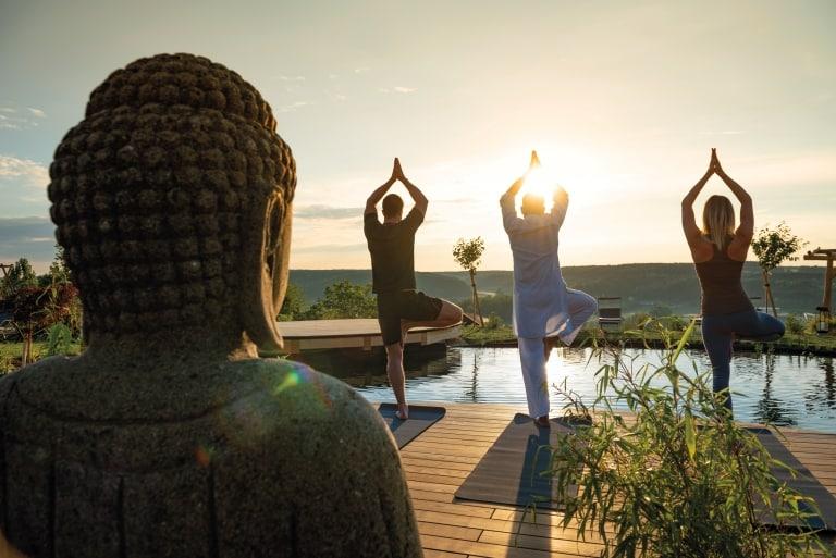 Innehalten und den Energiefluss aktivieren mit Yoga