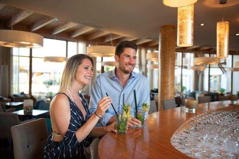 Exzellente Cocktails an der Larimar-Hotelbar