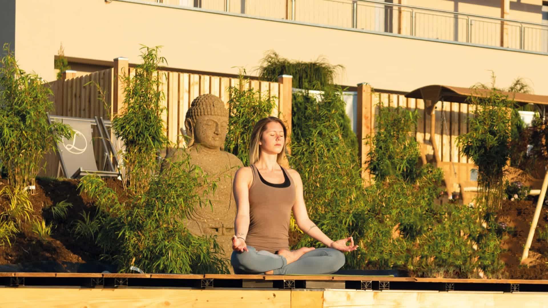 Yoga am Koiteich im Südburgenland