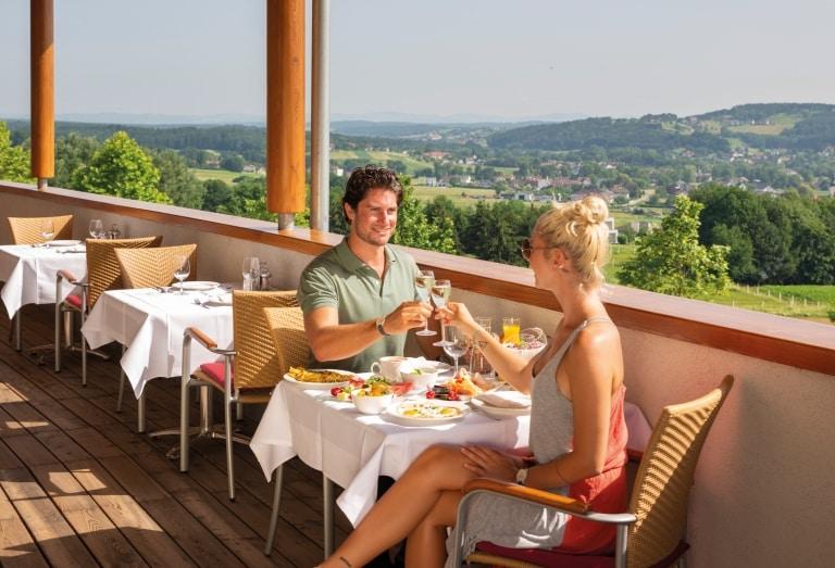 Frühstück mit schönes Ausblick im Hotel Larimar