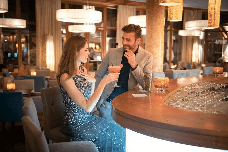 Cocktails an der Larimar Hotelbar genießen im Burgenland