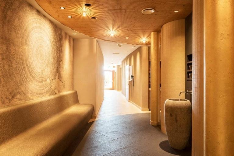 Stein ist ein Hauptmaterial unseres Saunabereichs
