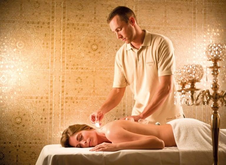 Kristall-Energie-Massage im Hotel Larimar