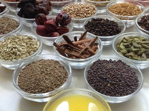 Ayurveda-Küche-Gewürze-Larimar