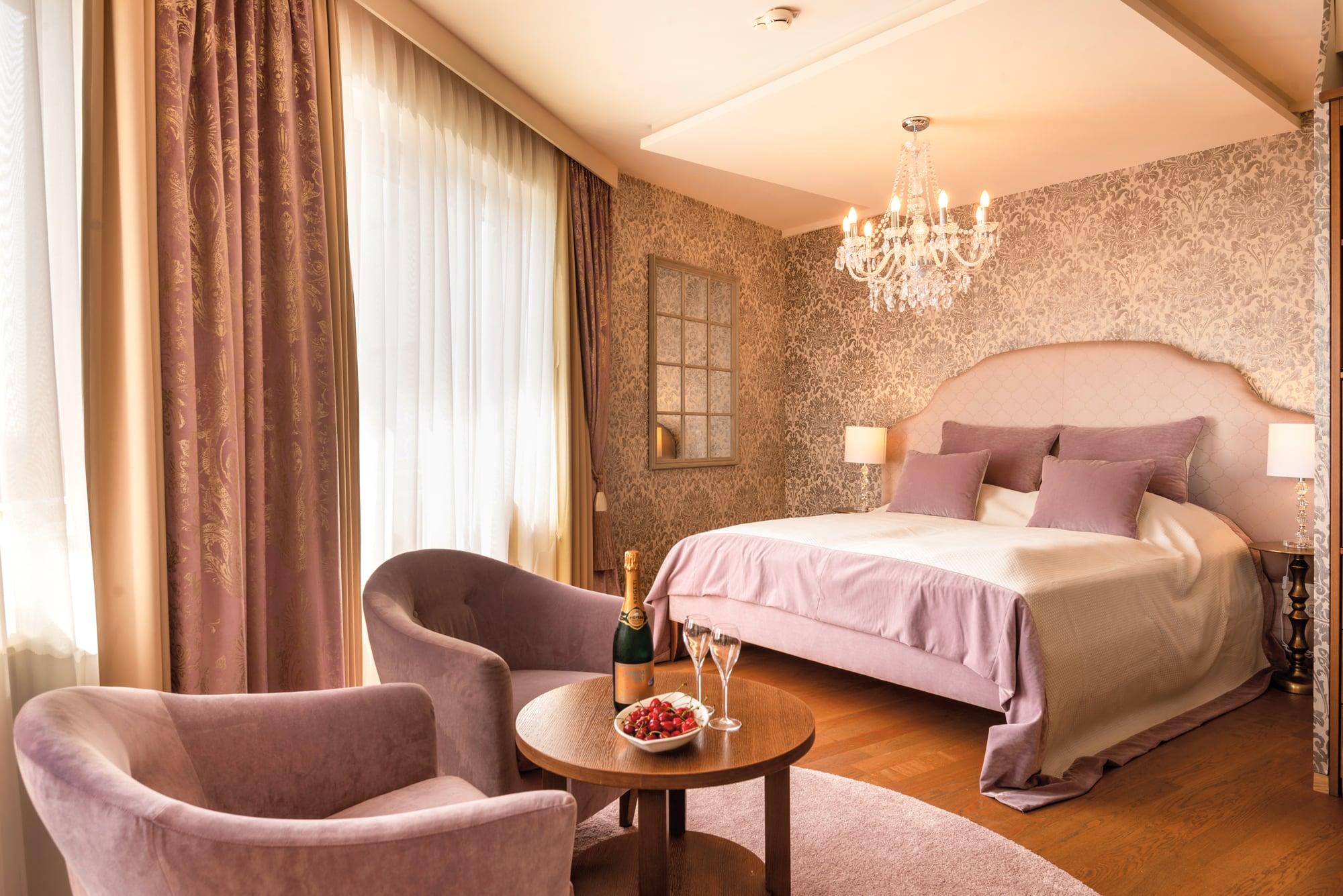 Romantikzimmer im Hotel Larimar in Stegersbach