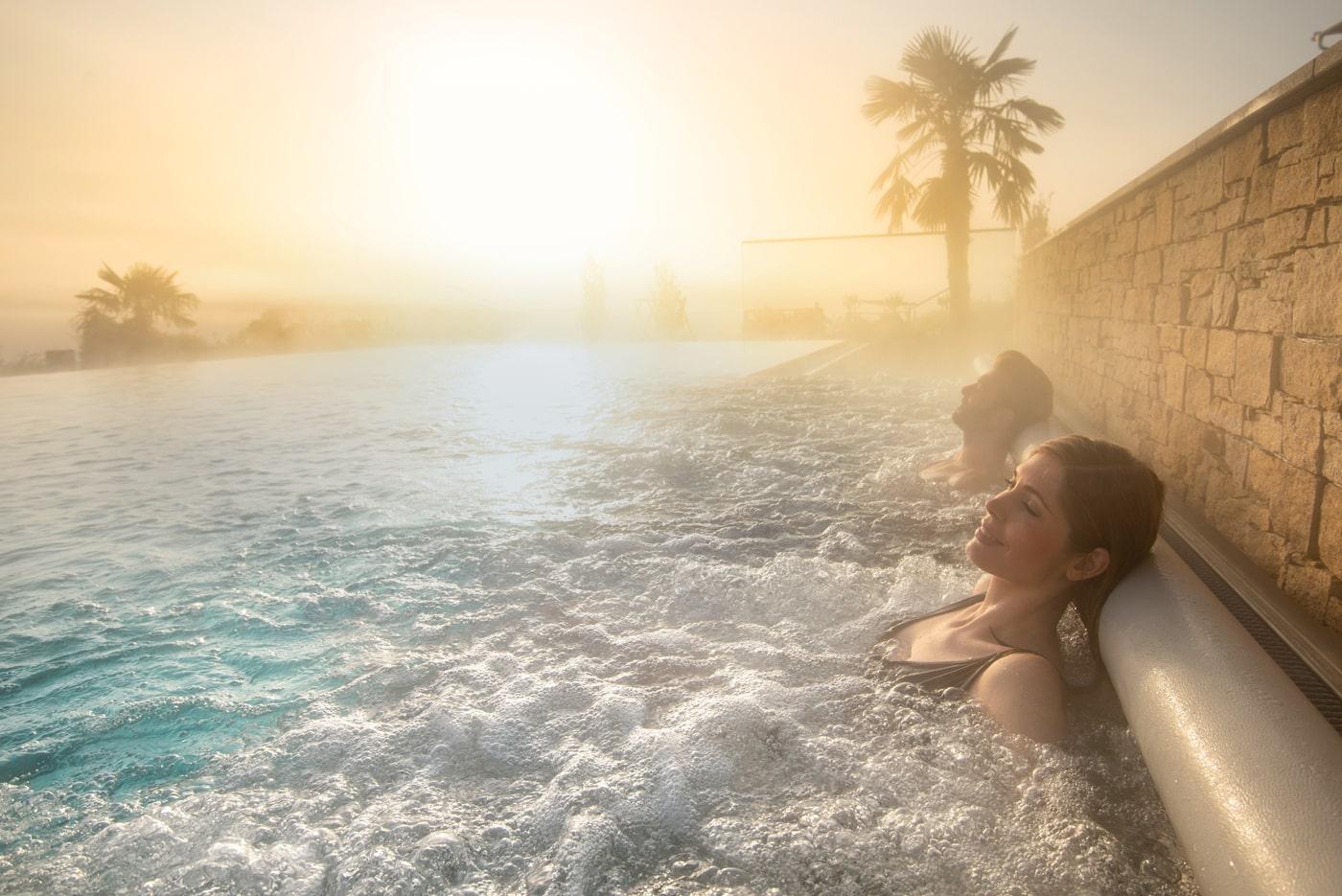 8 ganzjährig beheizte Pools im Hotel Larimar